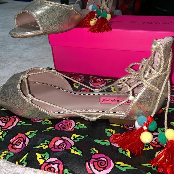 899de4e15db Betsey Johnson Gold Metal Abree Sandals
